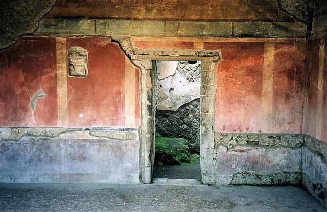 pompei-ruins-italy