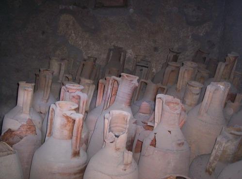 urns-vessels-pompeii